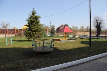 Двор с детской площадкой - IMG_3907.JPG