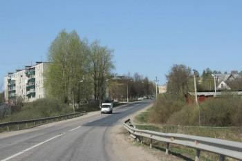 Так выглядит практически вся д. Кострово, с одной тороны улицы пятижтажки. а с другой дачные дома. - IMG_3927.JPG